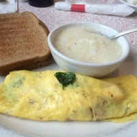 Photo taken at Decatur Diner by Aidy R. on 10/1/2016