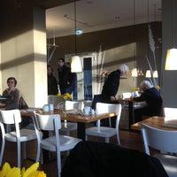 Foto tomada en Café Kaltehofe por Nicole W. el 2/23/2014