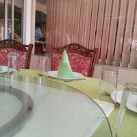 Photo taken at Palacio Chino Lung Fung by מיכאל J. on 6/29/2014
