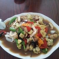 Photo taken at White Lotus Vegetarian Restaurant by JJNA13 on 3/13/2013