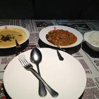 Photo taken at Omar Cafe Indian Kitchen / 欧麦咖啡 印度小厨 by Yogaprakash K. on 6/11/2013