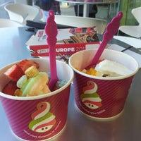 Photo taken at Menchie's Frozen Yogurt by Erika D. on 4/30/2013