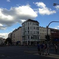 Das Foto wurde bei Rosenthaler Platz von Lasse C. am 6/23/2013 aufgenommen