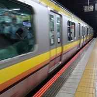 Photo taken at JR武蔵小杉駅 1番線ホーム by Toshi Y. on 6/28/2017