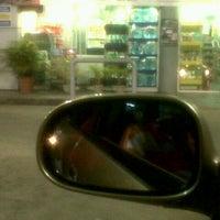 Photo taken at Cross Crossing Quik Shoppe by Jonnyblaze F. on 11/11/2012