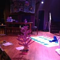 Photo prise au Hyde Park Theatre par Marilyn M. le10/30/2012