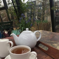 Foto scattata a Petersham Nurseries Cafe da Victoria H. il 4/13/2018