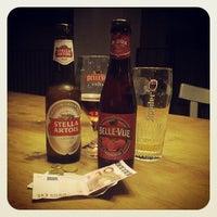 Foto scattata a Bellevue Brewery da Alina B. il 7/13/2013