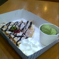 Photo taken at Crepe Box by Noxy T. on 11/16/2012