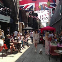 Photo prise au Maltby Street Market par Paul F. le7/13/2013