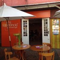 Das Foto wurde bei Substância Gastronomia Light von Fabiana V. am 5/4/2015 aufgenommen