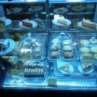 11/20/2012 tarihinde Joy L.ziyaretçi tarafından Denizen Coffee'de çekilen fotoğraf