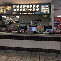 Photo taken at McDonald's by 💍Sandra B. on 11/21/2015