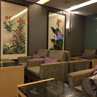 Photo taken at 華航貴賓室 China Airlines VIP Lounge by Pauline W. on 12/3/2015