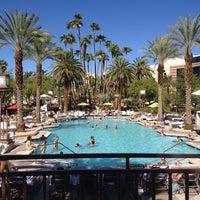 Photo prise au MGM Grand Pool par Kadir Ç. le8/17/2014