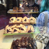 Photo taken at Moishe's Bake Shop by Рашель on 7/11/2016