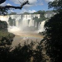 Foto tomada en Cataratas del Iguazú por Globetrottergirls D. el 4/6/2013