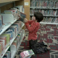 Photo taken at KCLS Redmond Library by Fabiana S. on 12/14/2012