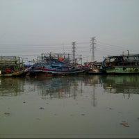 Photo taken at Pelabuhan Muara Angke by Handra T. on 10/19/2012