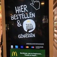 Das Foto wurde bei McDonald's von Anja K. am 4/17/2017 aufgenommen