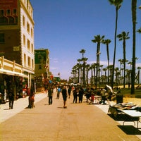 Photo taken at Venice Beach by Katarina V. on 5/15/2013