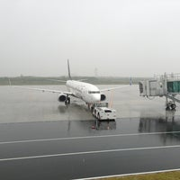 Photo prise au Iwakuni kintaikyo Airport (IWK) par Kenji I. le6/14/2013