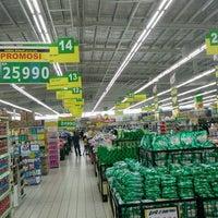 Photo taken at Giant Hypermarket by Mahdesi I. on 10/13/2016