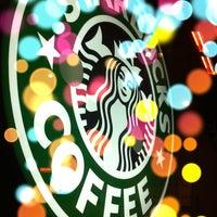 Das Foto wurde bei Starbucks von Gaye Ş. am 12/16/2012 aufgenommen