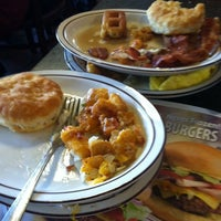 Photo taken at Frisch's Big Boy by Gregory L. on 11/4/2012