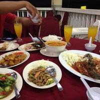 Снимок сделан в Restoran D' Coral Ikan Bakar Istimewa & Thai Seafood пользователем Najiha A. 3/4/2017
