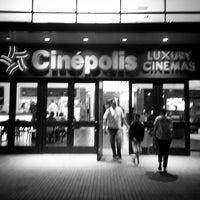 Photo prise au Cinepolis Luxury Cinemas par Oliver C. le5/3/2013