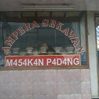 Photo taken at Warung Padang Ampera Sekawan by Sony H. on 1/20/2013