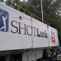 Photo prise au Shotlink Trailer @ Tour Champ par Victor C. le9/17/2012