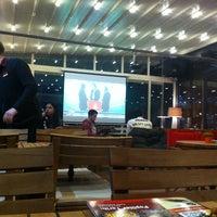 11/30/2013 tarihinde Ahmet K.ziyaretçi tarafından Big Mamma's'de çekilen fotoğraf