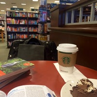 Photo taken at Barnes & Noble by Andra Z. on 2/19/2017