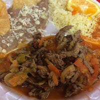 Photo taken at Plaza's Mexican Food by Brenda on 10/24/2014