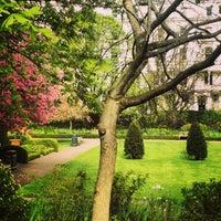 Photo prise au Cadogan Square Gardens par Cady G. le4/27/2013