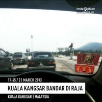 Photo taken at Plaza Tol Kuala Kangsar by Myname Y. on 3/21/2013