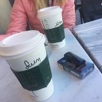 2/15/2018 tarihinde Sevim D.ziyaretçi tarafından Starbucks'de çekilen fotoğraf