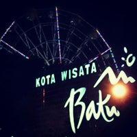 Photo taken at Alun-Alun Kota Wisata Batu by Derrick K. on 5/6/2013