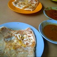 Photo taken at L.K Maju Restaurant by Alfan Y. on 12/2/2012