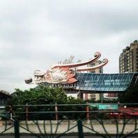Photo taken at 金谊J广场 | Jinyi J Mall by Dylen N. on 5/24/2014
