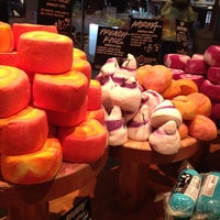 Photo taken at LUSH Cosmetics by Kimberly D. on 9/26/2014