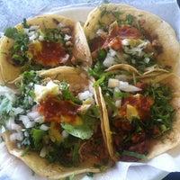 Das Foto wurde bei Andale Taqueria & Mercado von Daniel L. am 1/30/2013 aufgenommen