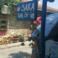 Foto diambil di Saka Balık Evi oleh Gözde K. pada 8/2/2015