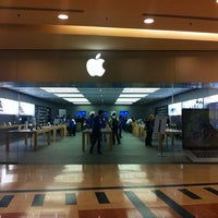 Photo taken at Apple RomaEst by christian a. on 10/22/2012