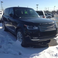 Photo taken at Land Rover Farmington Hills by Donvaughn H. on 2/9/2013