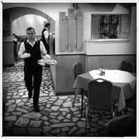 Foto tomada en Restaurant Kontiki por Cristian S. el 4/15/2014