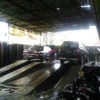 Photo taken at Dim-Dim Auto Care by Fakhrudin on 7/25/2013
