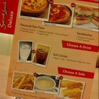 Photo taken at Pizza Hut by اسم خيرالدين ا. on 3/14/2013